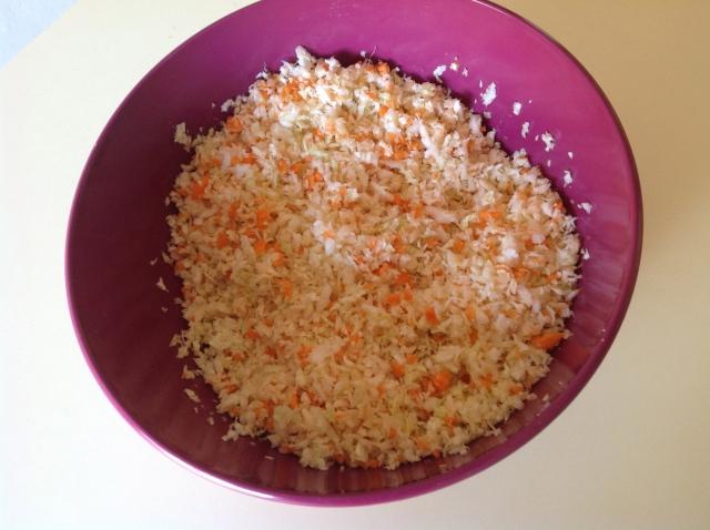 Col y zanahoria rallados