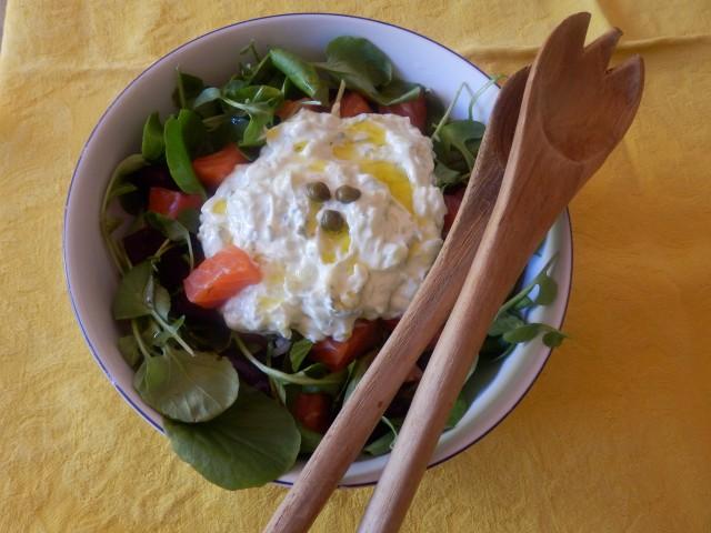 Ensalada de salmón, berros y remolacha