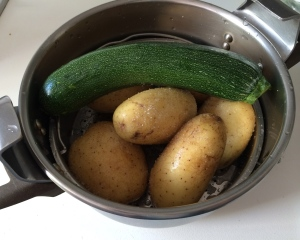Preparando las verduras al vapor